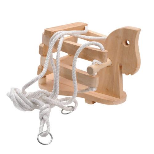 houten schommel paard liggend