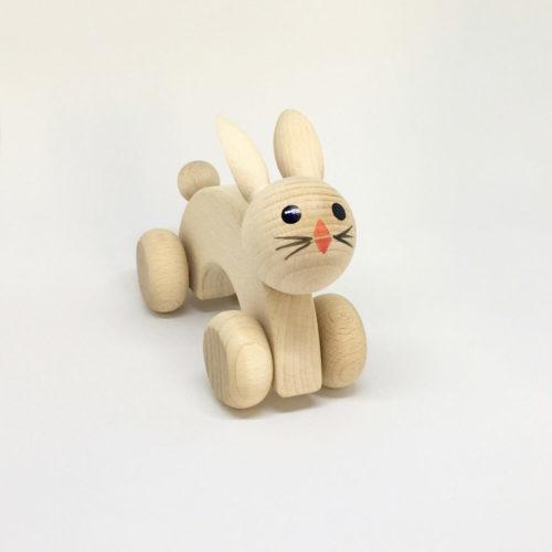 houten konijn met wielen